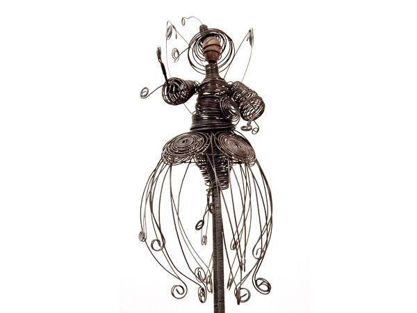 alexia carmona sculpture en fil de feralexia carmona sculpture en fil de fer cr ations en. Black Bedroom Furniture Sets. Home Design Ideas